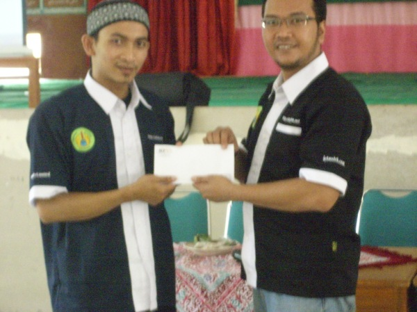 Donasi dari ICTWatch untuk Alhikmahdua dot net