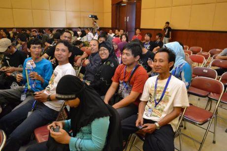 Di dalam seminar Blogger Nusantara pun masih juga merusuh